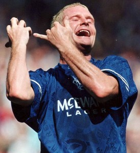 Paul Gascoigne Playing the fool of is that the flute while playi